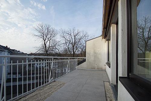 Düsseldorf-Oberkassel-4-Zimmerwohnung-Balkon_preview